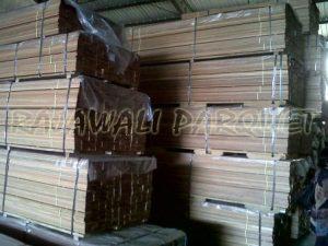 kumpulan lantai kayu parket di gudang Rajawali parquetkumpulan lantai kayu parket di gudang Rajawali parquet