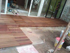 harga lantai kayu Tepi kolam berenang decking bengkirai 2