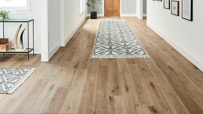 rekomendasi lantai vinyl motif kayu