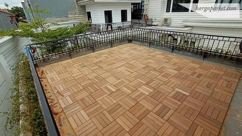 Decking Tile kayu Bengkirai