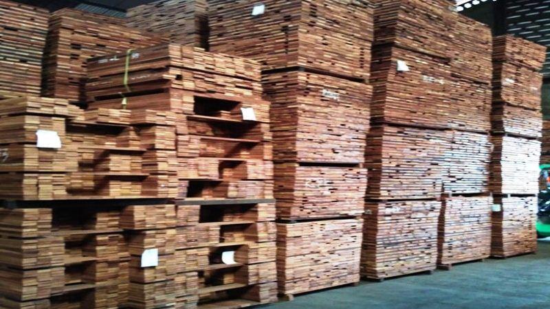pabrik lantai kayu