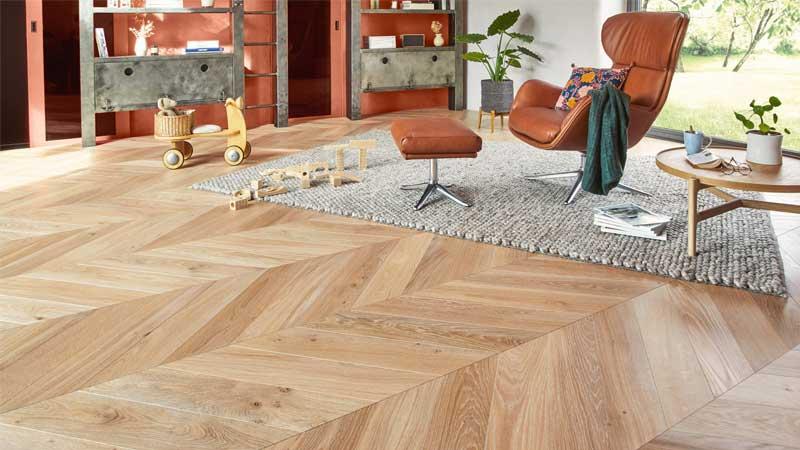 kelebihan lantai kayu yang tidak dimiliki lantai keramik