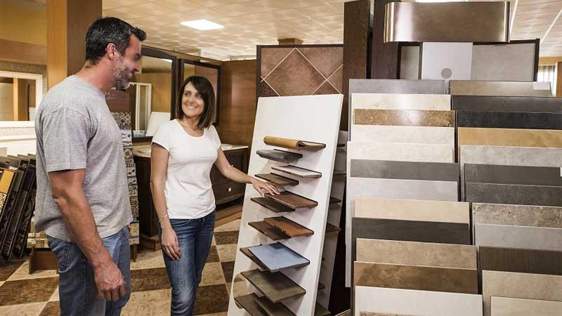 Perbedaan segi harga lantai vinyl dengan keramik