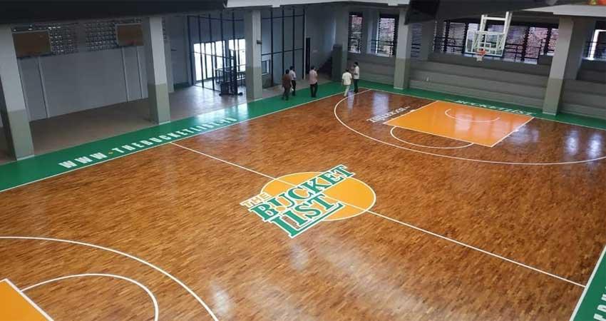 arena lapangan basket lantai kayu jati