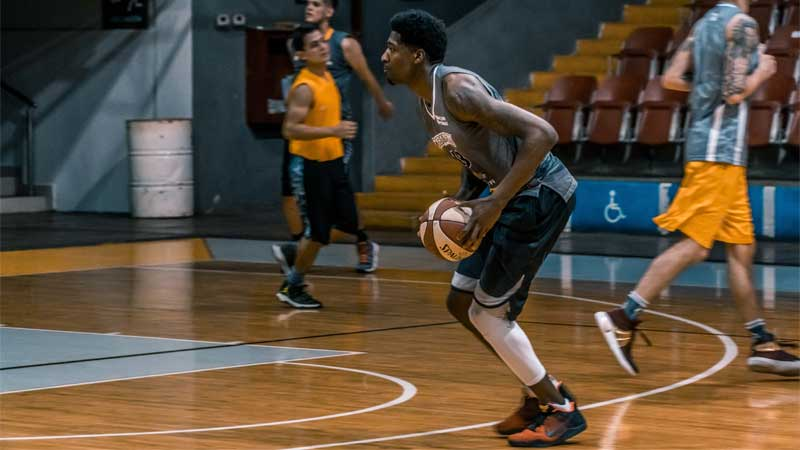 mengenal teknik bermain olahraga basket