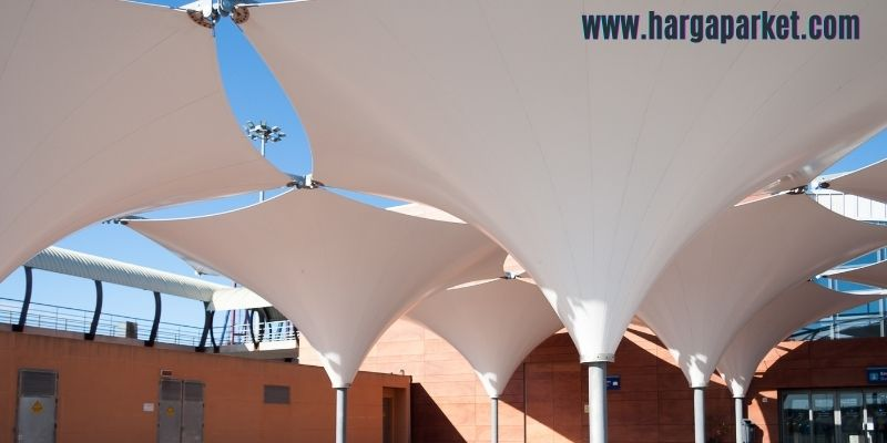 tips dekorasi cafe outdoor - gunakan atap canopy