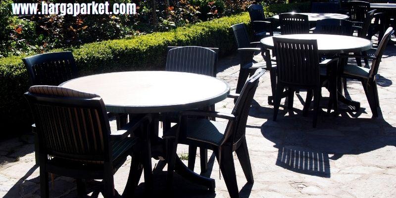 tips dekorasi cafe outdoor - sediakan taman hijau terbuka