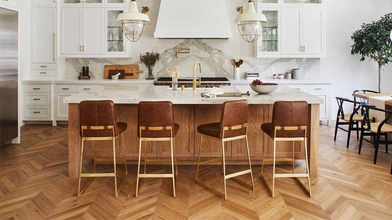 apakah bisa lantai kayu solid diterapkan diarea dapur?