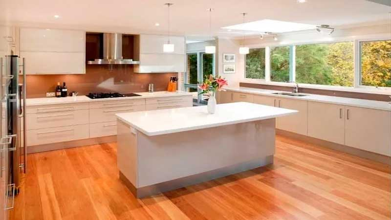 lantai kayu laminated bisa diterapkan diruang dapur